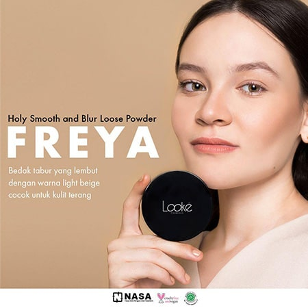 Looke Holy Smooth & Blur Loose Powder Freya